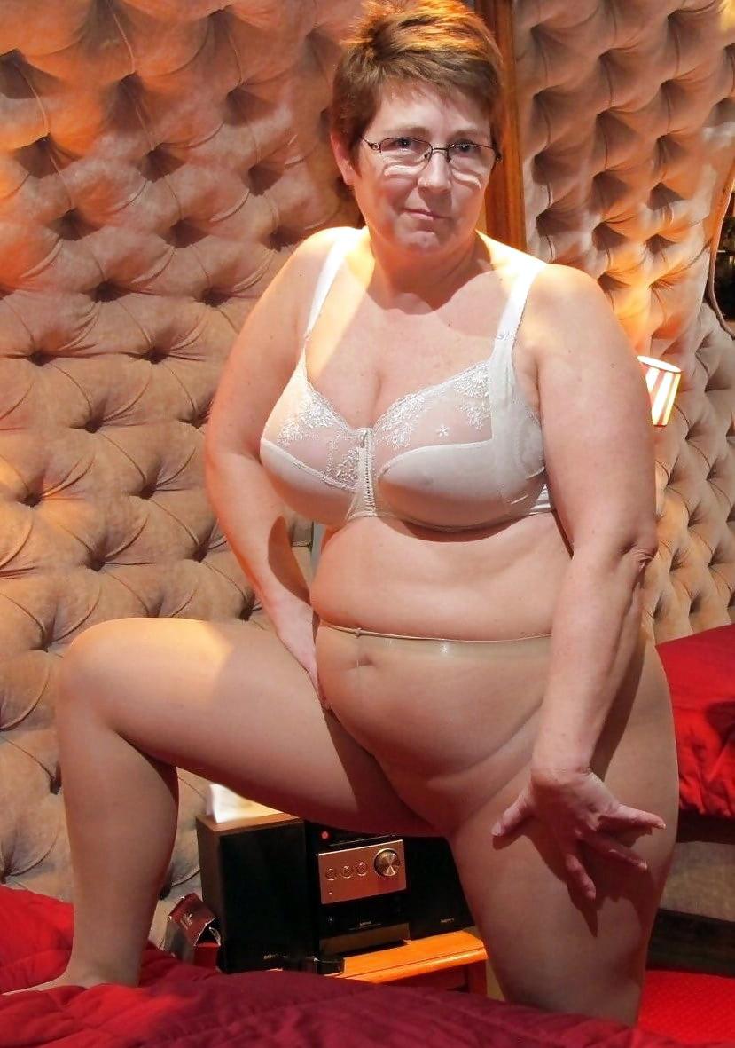 Pantyhose granny Gallery