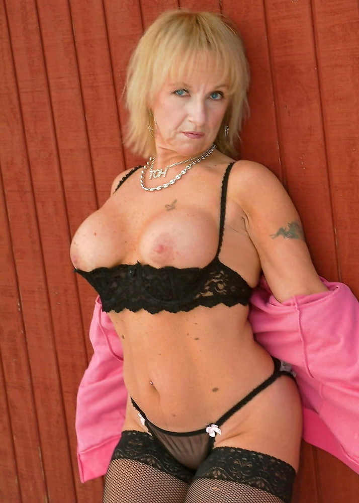 Naked hot ladies old Hot Old